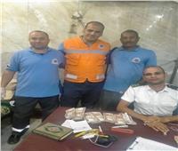 مسعف وسائق يردان 147 ألف جنيه كانت بحوزة مصاب في حادث بالغردقة