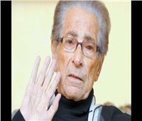 صور| في ذكرى وفاة «أنيس منصور».. محطات من حياة عدو المرأة