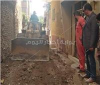 تمهيد الشوارع استعدادا لتوصيل الغاز الطبيعي في قرية البقاشين بالقليوبية