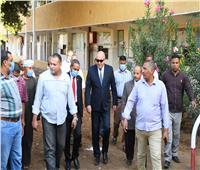 محافظ قنا يتابع تجهيز مقرات اللجان الانتخابية