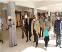 نائب محافظ قنا يشدد على الإجراءات الاحترازية داخل لجان انتخابات النواب