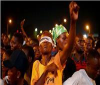 الرئيس النيجيري يطالب بوقف الاحتجاجات في شوارع البلاد