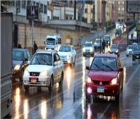 في خطوات.. تعرف على إرشادات القيادة الآمنة خلال هطول الأمطار
