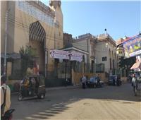 استياء أهالي المنوفية من استخدام واجهات المساجد الكبرى للدعاية الانتخابية لـ«النواب»