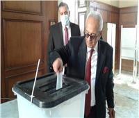 انتخابات النواب 2020| «أبوشقة» يدلي بصوته في الدقي