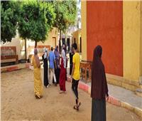 انتخابات النواب 2020| صور.. رئيس مدينة أبو النمرس يتابع انتظام التصويت