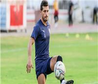 لاعبو الزمالك يحتفلون بعيد ميلاد طارق حامد على هامش المران