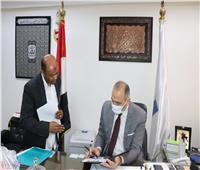 تعليم القاهرة تشدد على تسليم الكتب والتابلت للطلاب