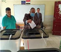 انتخابات النواب 2020| رئيس جامعة حلوان يدلي بصوته في العجوزة