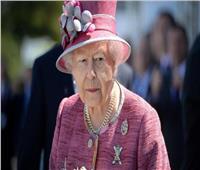 """""""من الكشمير وشعر الحصان"""".. قيمة خرافية لسرير الملكة إليزابيث"""