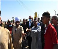 صور| محافظ قنا يوجه بعمل مطبات بمدخل قرية «أولاد اسماعيل» لمنع الحوادث