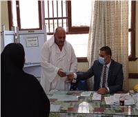الإقبال يتزايد على لجان الانتخابات في بني سويف
