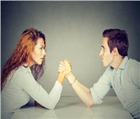 «الجنس الأقوى».. الرجال أضعف مناعة وأقل عمرا من النساء