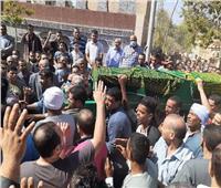 صور.. جنازة شعبية لبرلماني «مات من الفرحة» لفوز زوجته في الانتخابات