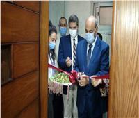 """رئيس جامعة المنيا يفتتح أعمال تطوير مكتبة """"التربية الفنية"""""""