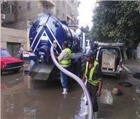 مواصلة أعمال إصلاح كسر ماسورة مياه بحدائق القبة