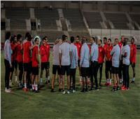 موسيماني يعقد محاضرة مطولة مع لاعبي الأهلي قبل انطلاق المران