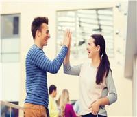 «بتدرس في الجامعة؟».. إعرف حكم الصداقة بين الجنسين