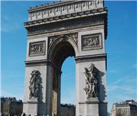 الشرطة الفرنسية: إخلاء منطقة قوس النصر في باريس بعد تحذير من قنبلة