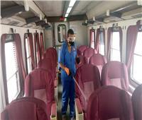 صور| بينها عربات الـ«TOP VIP».. تعقيم شامل لقطارات السكة الحديد