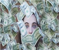 «ثروات النساء».. من تحت البلاطة لخزائن البنوك