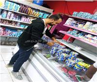 صور  بسبب الإساءة للنبي.. أقباط يشاركون في مقاطعة المنتجات الفرنسية بقنا