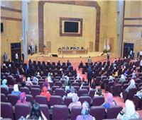 جامعة سوهاج تكرم أعضاء لجنة اختبارات قسم الإعلام