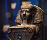 خالفت كل الأعراف الفرعونية.. الملكة حتشبسوت تقع في غرام سننموت