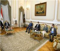وزير الإنتاج الحربي يبحث تعزيز التعاون مع السفير البريطاني