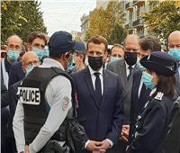 ماكرون يصل إلى موقع حادث الطعن في مدينة نيس