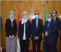 وزيرة التضامن ومحافظ الإسماعيلية يضعان حجر الأساس لمستشفى «الحكيم» الخيري