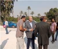صور | نائب محافظ الجيزة يتفقد أعمال تطوير طريق المريوطية السياحي