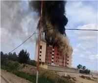 صور| حريق هائل يلتهم مسرح مدرسة بالأسكندرية