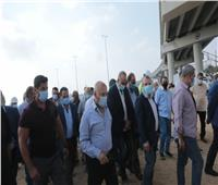 22 محطة.. وزير النقل يتفقد مسار مشروعي المونوريل