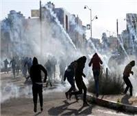 قوات الاحتلال الاسرائيلي تطلق قنابل الصوت والغاز المسيل للدموع