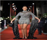 فستان ميرهان حسين يخطف الأنظار في ختام الجونة السينمائي