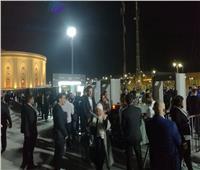 فيديو وصور| توافد الجمهور على حفل عمر خيرت بساحة المنارة