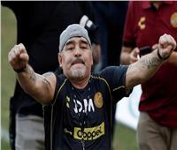 بعد إعلان وفاته .. تعرف على مشوار مارادونا الكروي