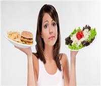دراسة: تناول الطعام خارج المنزل يزيد من احتمالية الإصابة بكورونا