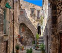 لو سنك فوق 40.. قرية إيطالية تمنحك 20 ألف يورو