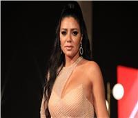 مصممة أزياء: فساتين رانيا يوسف الأكثر جاذبية بمهرجان الجونة