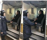 «أمن القاهرة» يساعد مُسنة بعد احتجازها داخل شقتها بحدائق القبة