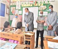 محافظ أسيوط يتابع تنفيذ مبادرة «100 مليون صحة» بالمدارس