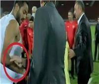 مدير الكرة بالأهلي: لا نسمح بأي إساءة في حق محمد فضل