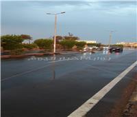 سقوط أمطار غزيرة برأس غارب والمدينة ترفع درجة الطوارئ