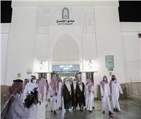 صور| وزير الشؤون الإسلامية السعودي يتفقد مسجدي الخندق والقبلتين بالمدينة المنورة