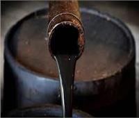 أسعار النفط ترتفع 2% مع آمال استمرار خفض الإنتاج