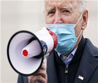صور| بايدن يتحدث من أمام مركز اقتراع في بنسلفانيا