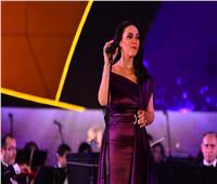 صور| مي فاروق تصعد لمسرح النافورة بأغنية «وحياتك يا حبيبي»
