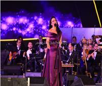 صور| «مي فاروق» تُشعل حماس مسرح «النافورة»